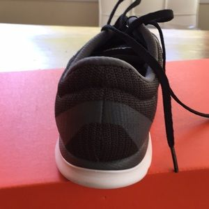Nike Shoes - Nike Women In-SeasonTRAINER 5  Size 8.5 NWT 0439